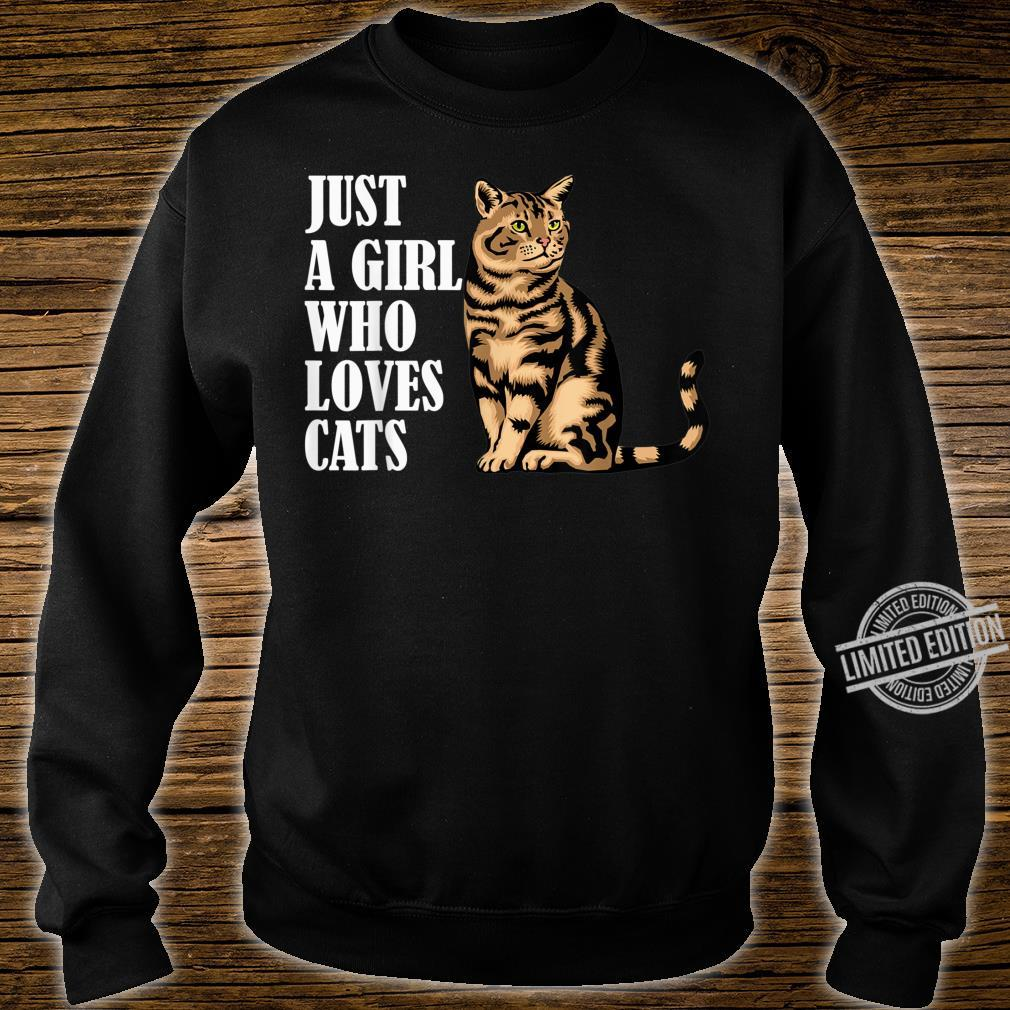 Just A Girl Who Loves Cats Shirt sweater